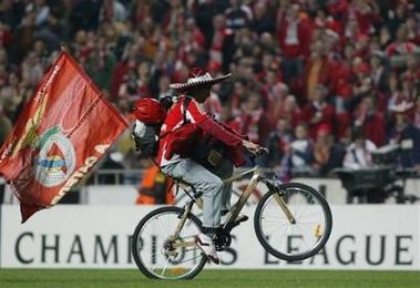 capt.xsg10903282130.portugal_soccer_champions_league_xsg109[1]