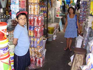 Yo-y-Mamá-en-el-Mercado