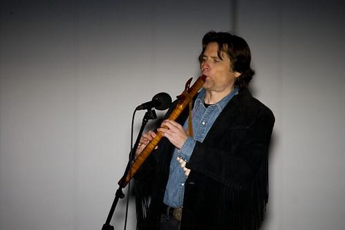 Playing a Geoffrey Eillis flute
