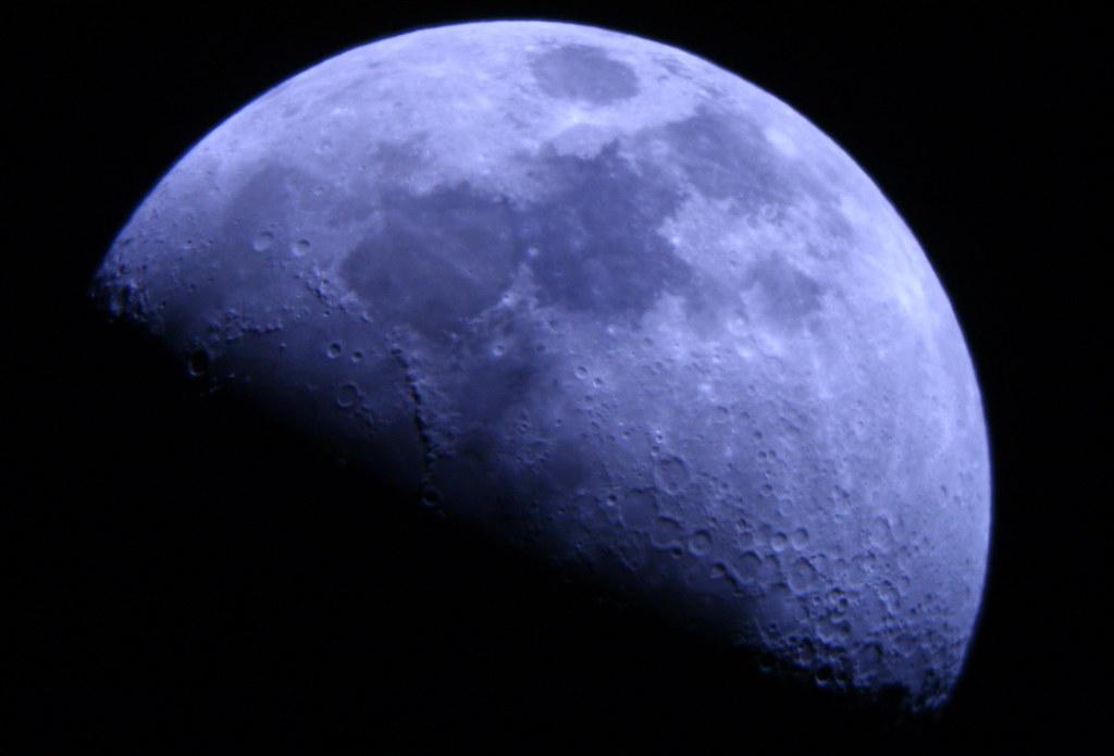 061030.moon