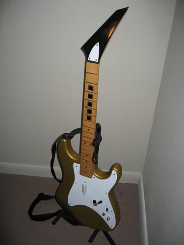 Custom Guitar Hero Guitar : custom guitar hero controllers games quarter to three forums ~ Russianpoet.info Haus und Dekorationen