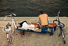A Couple Framed By Bikes photo by rasenkantenstein