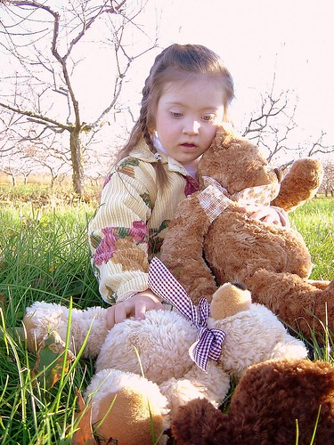 Playing bears in the orchard