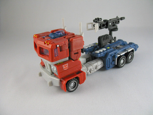 Classics Optimus Prime - totally awful in alt mode