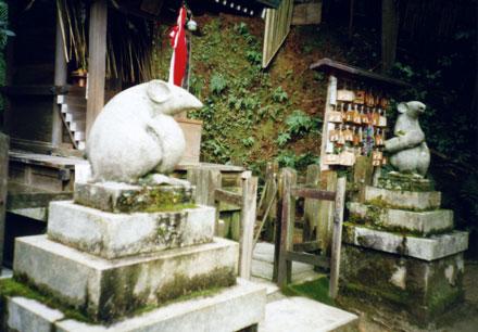大豊神社・狛ねずみ