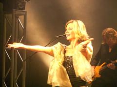 2006-11-29 Olivia Newton-John Concert 132