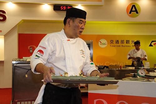 新加坡隊主廚上菜 (by Audiofan)