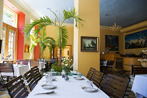 Interior Cafe Suron