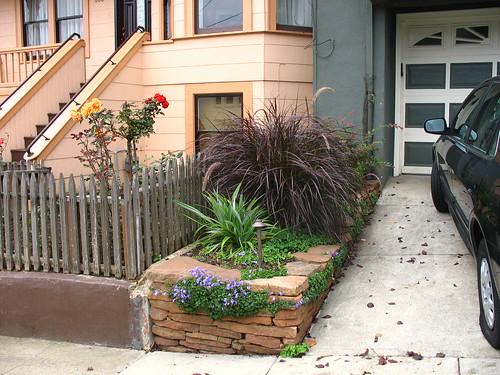 1 sideyard