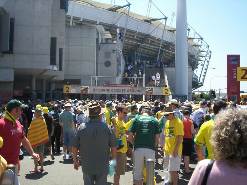 Lineup outside the Gabba - The Ashes 2006-7 - First Test - Atmosphere in town, outside the Gabba, and watching the game on a big screen at the 'beach' in Southbank.q