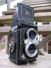 Yashica MAT - 124 (open)