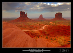 Monument Valley, UT photo by thpeter
