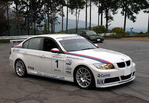 E90 Car of the Month - December 2006) -- My BMW 320si is WTCC Look. :-)