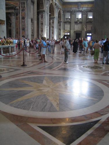 聖彼得大教堂地板的花飾