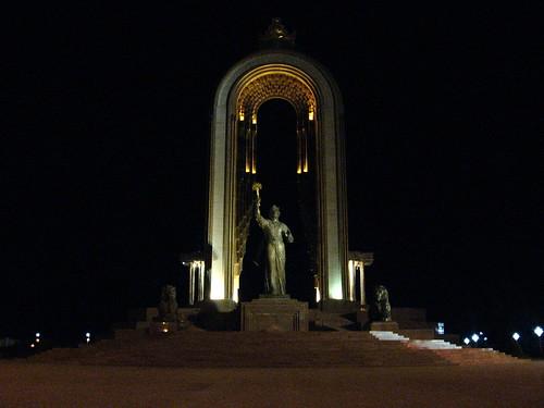 Somoni statue, Dushanbe, Tajikistan / ソモニ像(タジキスタン、ドウシャンベ)