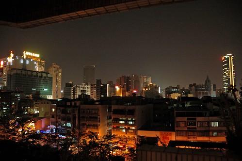 窗外的城市夜光