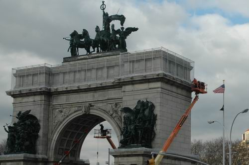 Preparing the Arch for Christmas