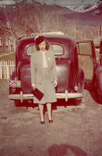 Mom_with_car