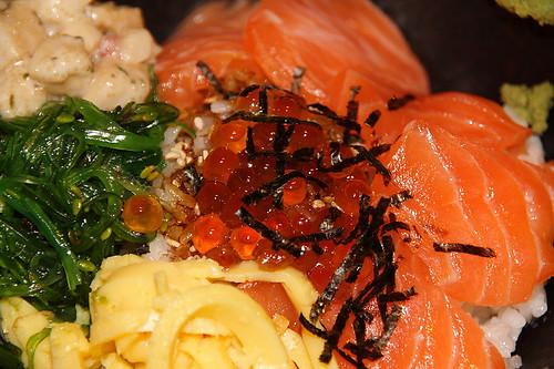 鮭魚親子丼 (by You)