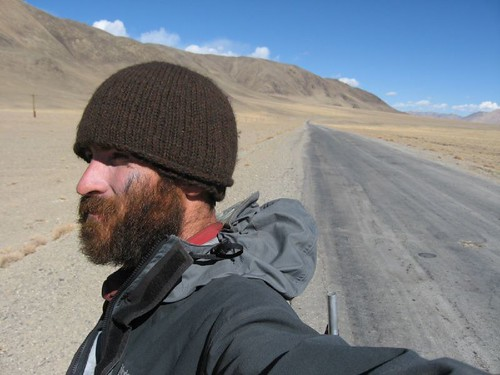 Head winds getting me down - near Alichur, Tajikistan / 向かい風がやめない(タジキスタン、アリチュール村付近)