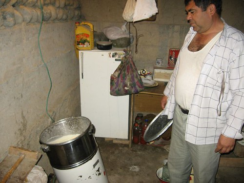 Butter churn, Sarazm Village, Tajikistan / バターを作る機械(日本語でなだろう) - タジキスタン、サラザム村