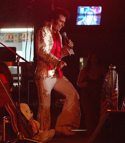 Danny Vernon as Elvis