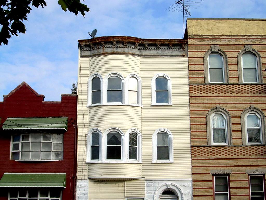 houses, Avenue O
