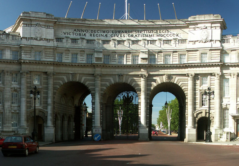 Admiralty Arch in the corner of Trafalgar Square leading onto the Mall, London.