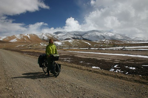 On the road between Songcha and Moincer. Tibet 2006