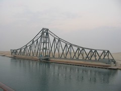 3874f Suez rail bridge