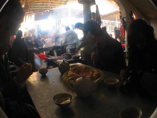 Eatery at a bazaar in Samarkand, Uzbekistan / サマルカンドのバザールにて(ウズベキスタン)
