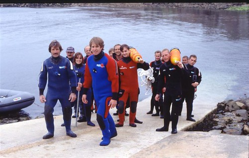 The team returning from a dive
