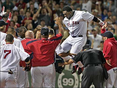 Papi's sixth walkoff homer with the Sox.
