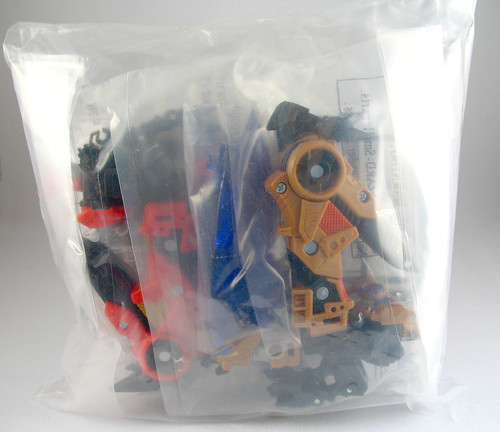 Botcon 2006 Exclusive Buzzsaw and Laserbeak