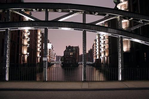 Hamburg: Auf der Brücke