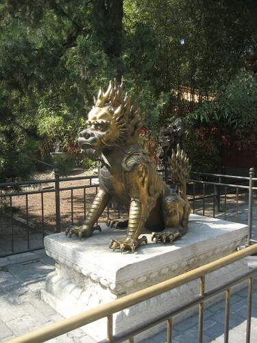 lion_bronze_1