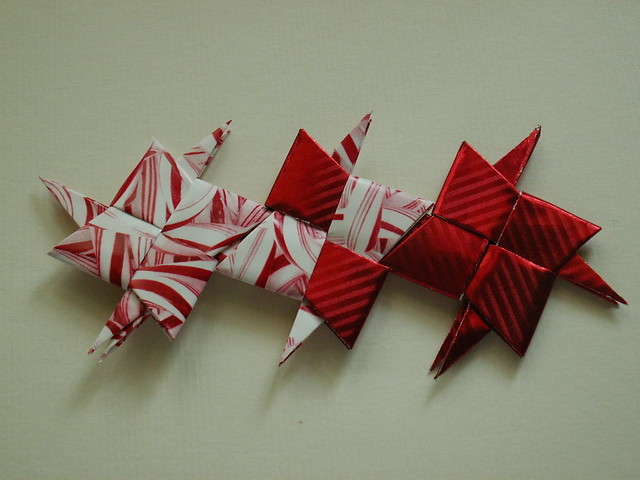 paper throwing star