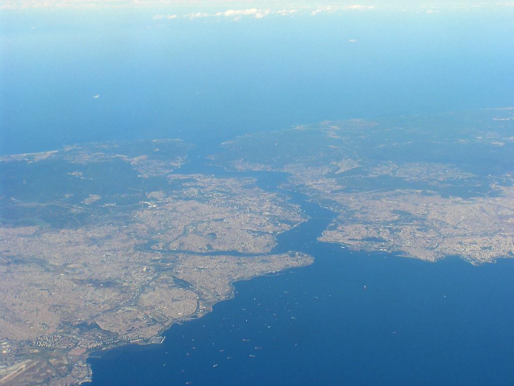 El Bósforo, visto desde el sur