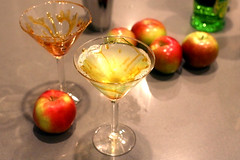 Cocktail: Caramel Apple Martini