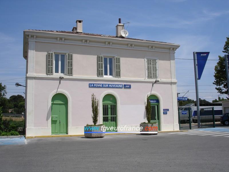 La gare SNCF de La Penne-sur-Huveaune (13861)