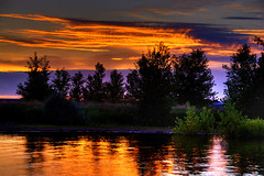Sunrise at Chatfield Lake photo by Thad Roan - Bridgepix