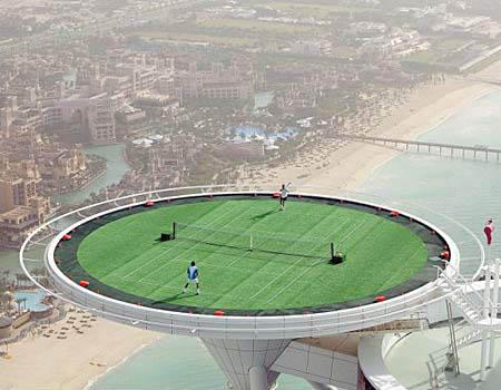 Tennis_court_Burj_Al_Arab_hotel