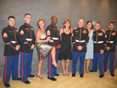 marines_girls_1