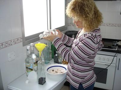 Rellenando las botellas