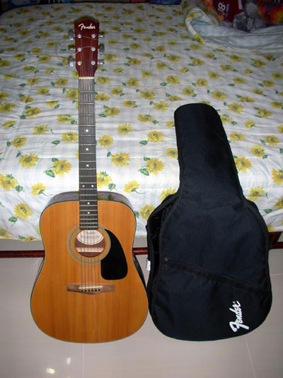 Fender-DG-Acoustic-2