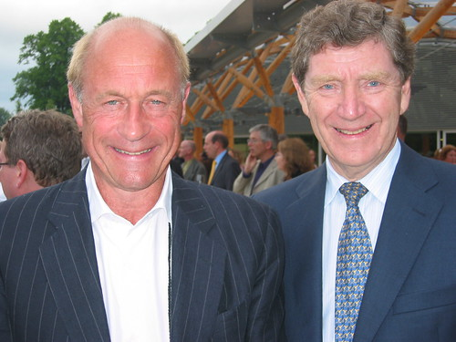 Ole Jacob Bull (Norway) and Ian McRae (Australia) at the Summit Dinner, Alnwick Gardens