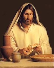 Jesus parte el pan photo by Directorio de la Iglesia Católica