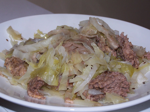 Oma's Layered Ground Beef & Cabbage