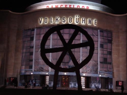 N°1: Berlin Insane IV, Volksbühne