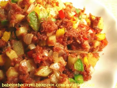 corned beef with dice capsicum n onions
